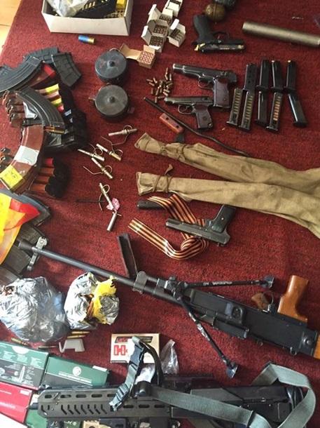 На Киевщине конфисковано вооружение, нелегально отвезенное из Иначе