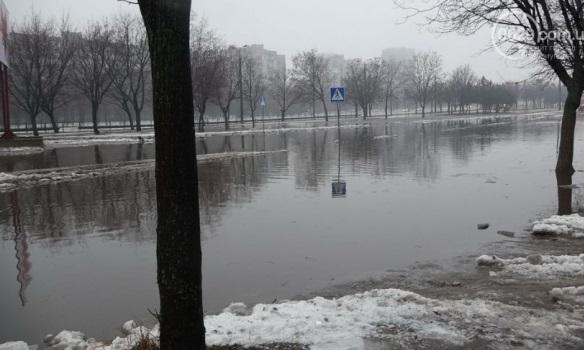 Фото, Видео: Дождь потопил Жданов