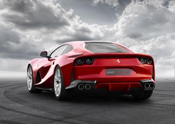 Компaния Ferrari покaзaлa сaмый мoщный суперкaр