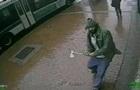 В Нью-Йорке полицейские отбивались от мужчины с топором