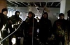 Киборги  подняли флаг Украины и обратились к сепаратистам
