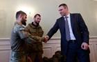 Братья Кличко передали украинским военным аптечки на сумму 200 тысяч долларов