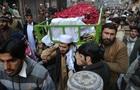 В Пакистане хоронят жертв нападения на школу - репортаж
