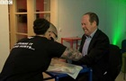 У Швеції співробітникам офісу вживили мікрочіпи
