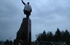 Митингующим в Запорожье не удалось снести памятник Ленину
