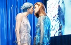 Паризький бутік Prada отримав еротичне оформлення вітрин