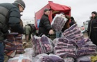 Позиции разные, цель - одна: как россияне помогают украинским беженцам