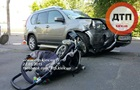 В Киеве машина на тротуаре сбила коляску: семимесячный ребенок в коме