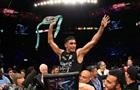 Бокс: Амир Хан по очкам победил Криса Алгиери
