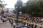 Підсумки 27 липня: Глава КСУ потрапив у ДТП, у Києві відбулася хресна хода