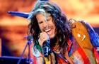 Солист Aerosmith рассказал о русских корнях и любви к украинскому борщу