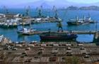 Бастующим в российском порту украинским морякам выплатили долг