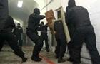 Появилось видео штурма спецназом российской колонии