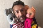 Шнуров заспівав для дитячої телепередачі