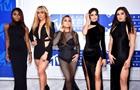 Названы самые вызывающие наряды звезд премии MTV
