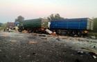 На Полтавщине столкнулись три грузовика: трое погибших