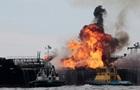 Біля Мексики горить нафтове судно