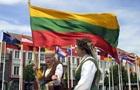 Литву каждый час навсегда покидают пять человек - СМИ