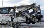 В США автобус столкнулся с грузовиком: 13 погибших