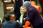 Жінки-депутати часто страждають від домагань - доповідь
