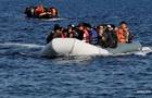 90 мигрантов пропали без вести после крушения судна у берегов Ливии