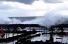В Сочи волны затопили первые этажи гостиницы