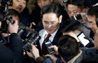 Прокуратура выдала ордер на арест главы Samsung