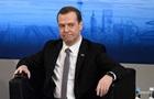 Медведев призвал не надеяться на отмену санкций
