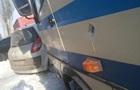 На Донбасі обстріляли цивільний автобус