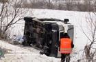 У Рівненській області маршрутка злетіла в кювет: сім постраждалих