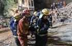 В Китае горная порода сошла на отель, есть погибшие