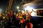 Крушение поезда в Индии: число жертв выросло