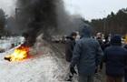 Водители перекрыли въезд в Киев в знак протеста