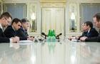 Порошенко обсудил с представителями США конфликт на Донбассе