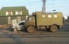 В Мариуполе военные столкнулись с Renault, есть пострадавшие