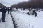 В Винницкой области поезд врезался в автобус, есть жертвы