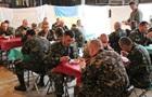 Полторак приказал проверить питание военных на Львовщине