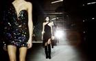Девушки в коже и кружеве: Yves Saint Laurent на FW