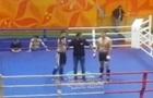 У Росії бійця ММА дискваліфікували на рік за середній палець глядачам