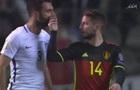 Полузащитник сборной Бельгии решил перекрыть воздух сопернику