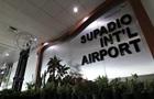 В аеропорту Індонезії обвалилася стеля
