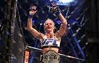 Холм не захотела драться на турнире UFC в Сингапуре