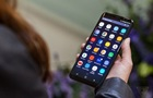 Виртуальный помощник Galaxy S8 понимает лишь два языка