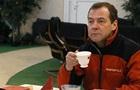 В РФ обсуждают грустного после митингов Медведева