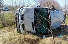 На Луганщине перевернулся микроавтобус: девять пострадавших
