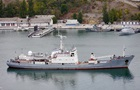 Военный корабль РФ столкнулся с торговым судном