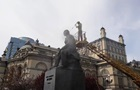 Памятник Лысенко в Киеве помыли впервые за полвека