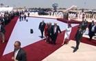 Жінка Трампа не стала брати його за руку в Ізраїлі