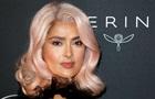 Канны-2017: Сальма Хайек удивила розовым цветом волос