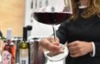 Півкелиха вина за день збільшує ризик раку грудей - вчені